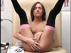 Young lady takes a dildo in her foxy box tubes