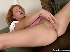 Virgin Flexy Sunny Masturbating tubes