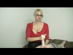 Milf with big sexy boobs gives a handjob tubes