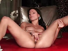 Melissa Mendiny fingers her pussy tubes