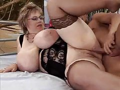 Fat old babe in glasses fucked tubes