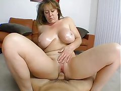 Curvy amateur in homemade milf porn tubes