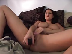Masturbating Gianna Michaels visited by a BBC tubes
