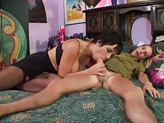 Short hair milf with big titties sucks a cock tubes