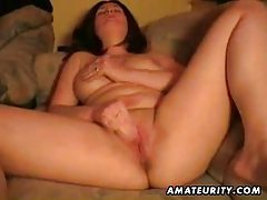 Amateur girlfriend homemade blowjob and pussy toying tubes