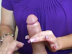 Pretty wife gives erotic handjob tubes