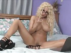 Gina Lynn masturbates and gives handjob tubes