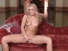 Great natural tits on a blonde playing with pussy tubes