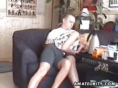 Blonde amateur girlfriend sucks and fucks at home tubes