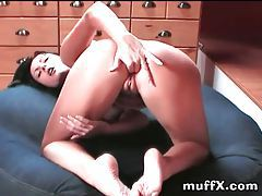 Sensual solo chick masturbates her pussy tubes