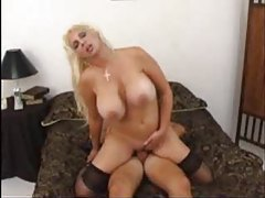 Bouncy tits milf blonde cumshot on tits tubes
