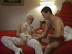 80s babe in stockings laid in retro porn tubes