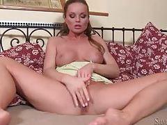 Pornstar Sylvia Saint masturbates her pussy tubes