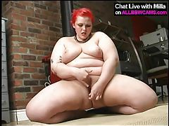 horny sexy fat BBW fucks herself 2 tubes