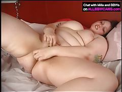 BBW wakes up in the mornning super horney 2 tubes