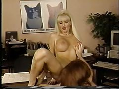 Office sluts eat pussy in retro video tubes