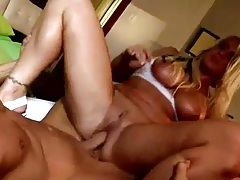 Deepthroat bimbo boned in her wet pussy tubes