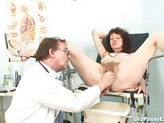 Giving the pussy an enema and speculum view tubes