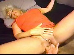 He shaves mature pussy and fingers it tubes