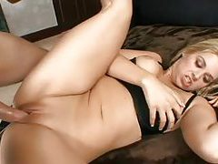 Blindfolded babe gets pleasured then fucked hard tubes