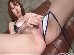 Horny Asianbabe in bikini rubbing her pussy tubes