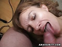 Amateur Milf gets her ass and pussy toyed with facial cumshot tubes