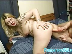 Plump lesbian ladies fuck each other with dildos tubes