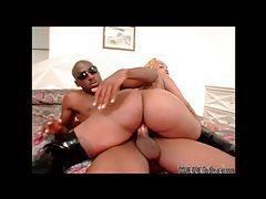 Ebony slut with blonde hair gets her fat round ass rammed tubes