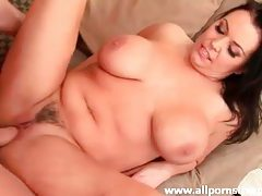 Chubby slut in black high heels laid tubes