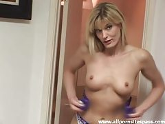 Fit sexy milf star puts on new lingerie tubes