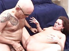 Chubby guy fucks load into curvy girl tubes
