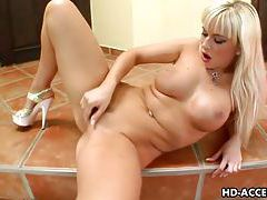 Cute Cindy and her fingering pleasures tubes
