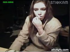 Pretty teen fools around on webcam tubes