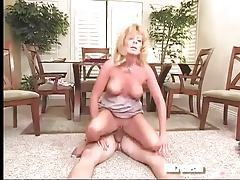 Mature blonde makes his day with a good fuck tubes