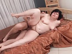 Chubby mature minx spreading pussy for young hottie tubes