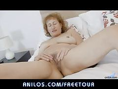 Cougar rubs eager wet cunt tubes