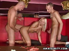 Amateur girlfriend double penetration in a swingers club tubes