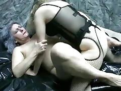 Milf strapon fucks that hot granny pussy tube