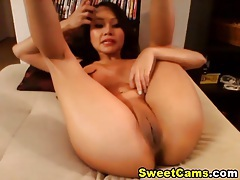 Busty Asian Hottie Plays her Juicy Tight Pussy HD tubes