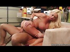 Fit sexy bimbo with fake tits rides him tubes