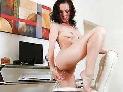 Mature Milf Fucks Her Horny Cunt tubes