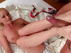 Sucking sexy toes turns him on to fuck pussy tubes