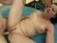 Big boobs milf given cumshot facial tubes