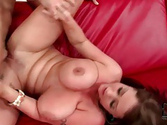 Cumshot glazes those big sexy tits tubes