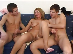 Young men find milf mouth and pussy hot tubes
