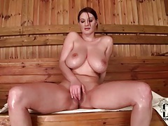 Softcore tit fondling with solo girl in sauna tubes