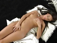 She unfurls her hot body and masturbates solo tubes