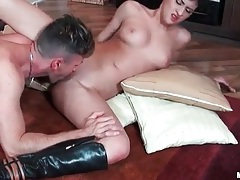Dude goes down on dirty girl in boots tubes