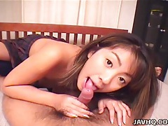 Asian hottie gives hot blowjob tubes