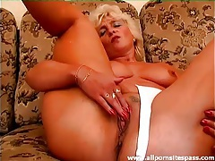 Old lady in cotton panties masturbates solo tubes